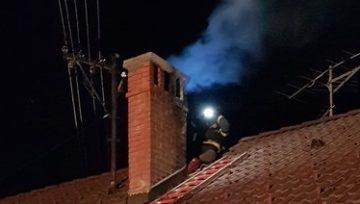 Intervencija: Dimniški požar